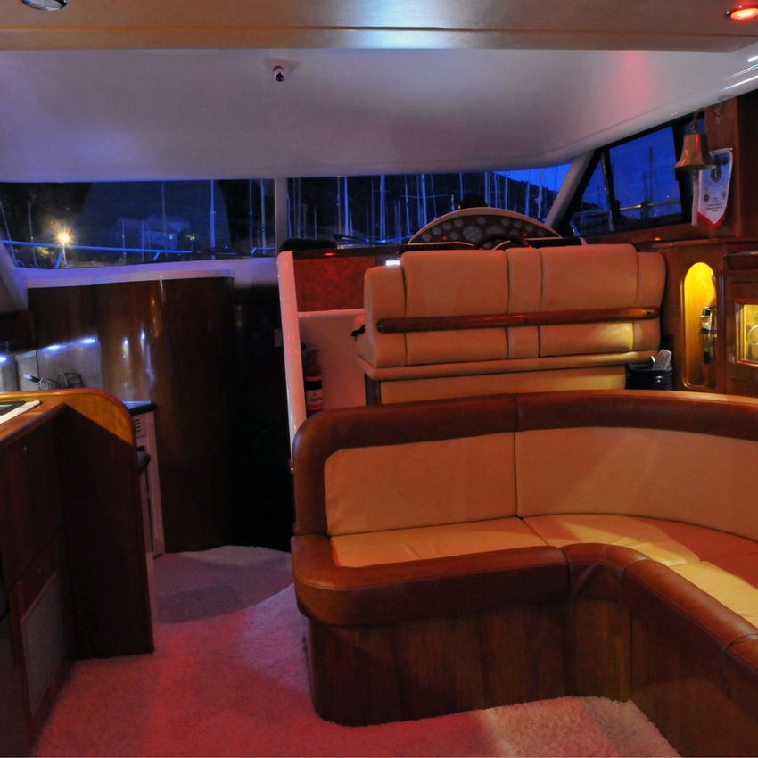 Fairline Phantom interior