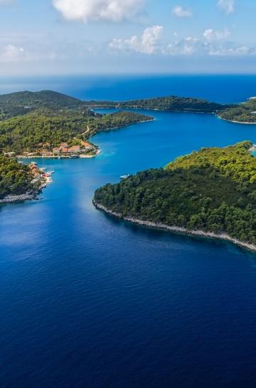 elaphite islands boat